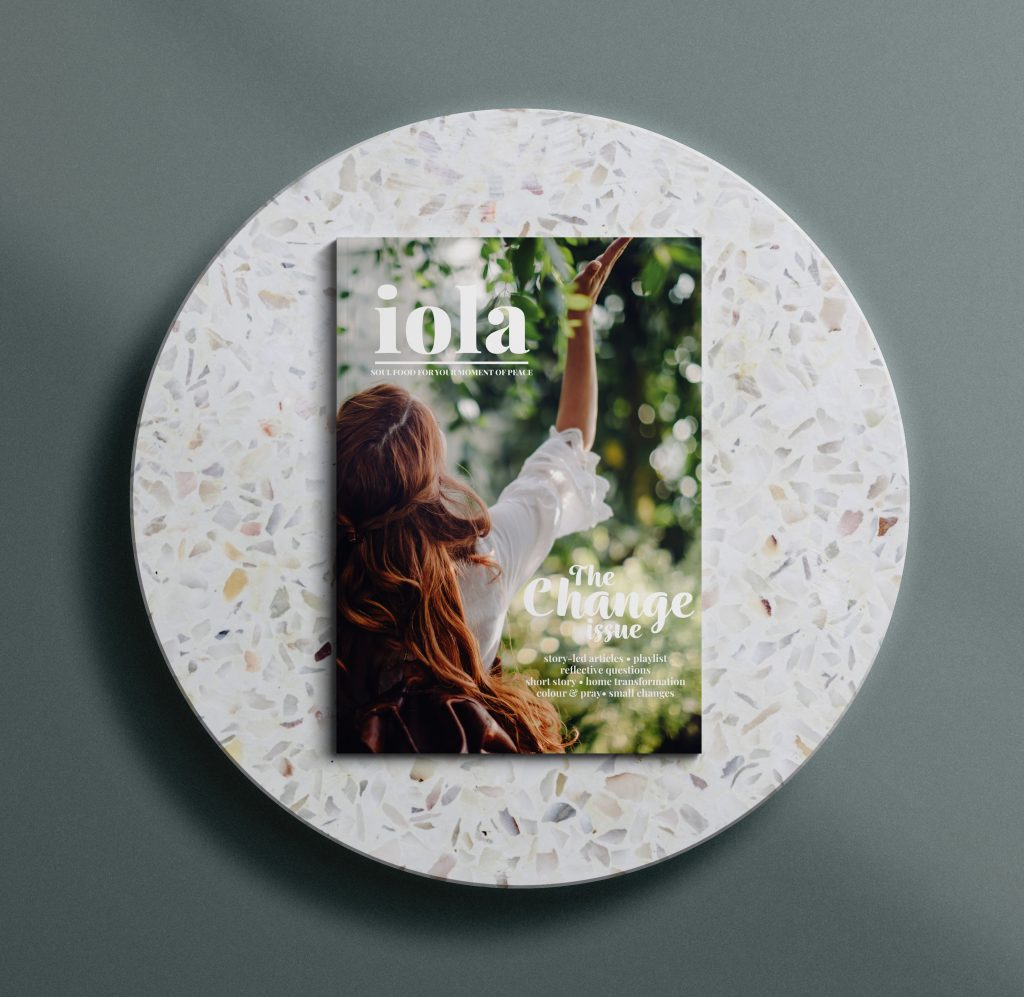 iola bookazine change issue mock up design tool